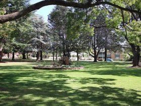 Queanbeyan Park