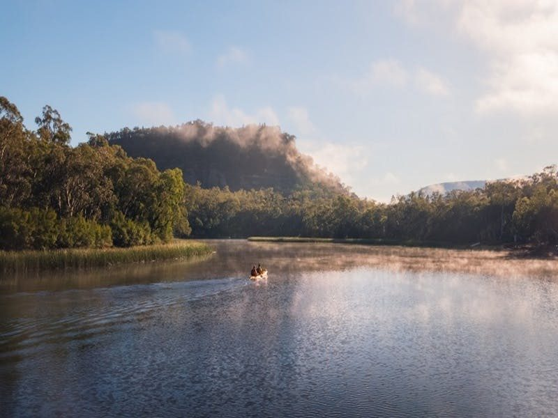 People canoeing along Cudgegong river, Dunns Swamp - Ganguddy campground, Wollemi National Park. Pho