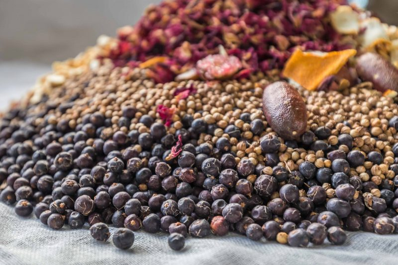 Juniper berries, coriander seeds, rose petals, fingerlime and citrus peel