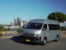 Shuttle bus to and from Sydney airport, Sydney city, cruise ship terminals
