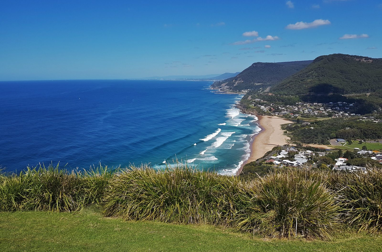 Few minutes drive to the stunning Bald Hill lookout and Stanwell Park