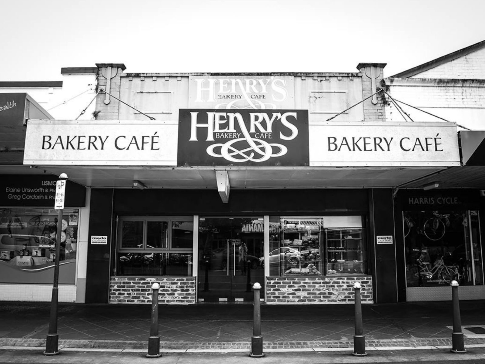 Henry's Bakery Cafe