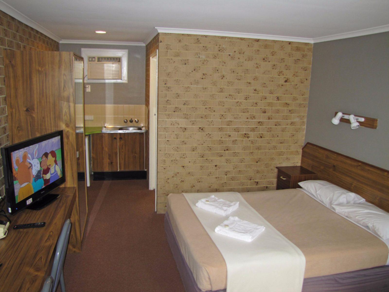Hotel room in Hi Craft Motel