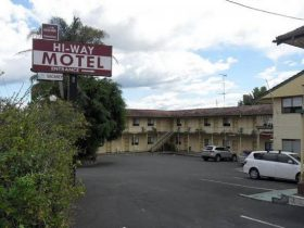 Hi-Way Motel