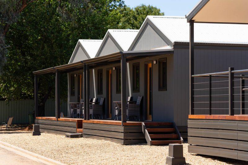 Cabins - Horseshoe Tourist Park - Wagga Wagga