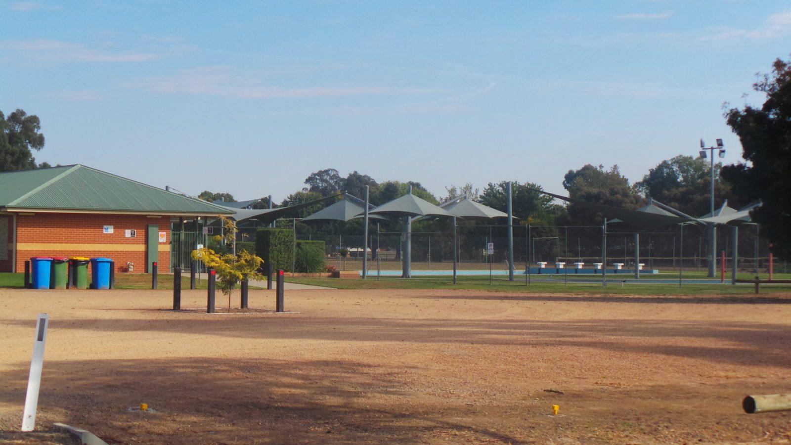 Howlong Swimming pool entrance and car park