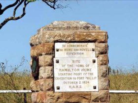 Hume Hovell monument