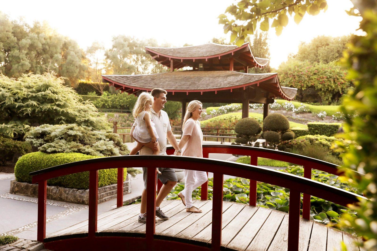 Hunter Valley Gardens Oriental garden with family.
