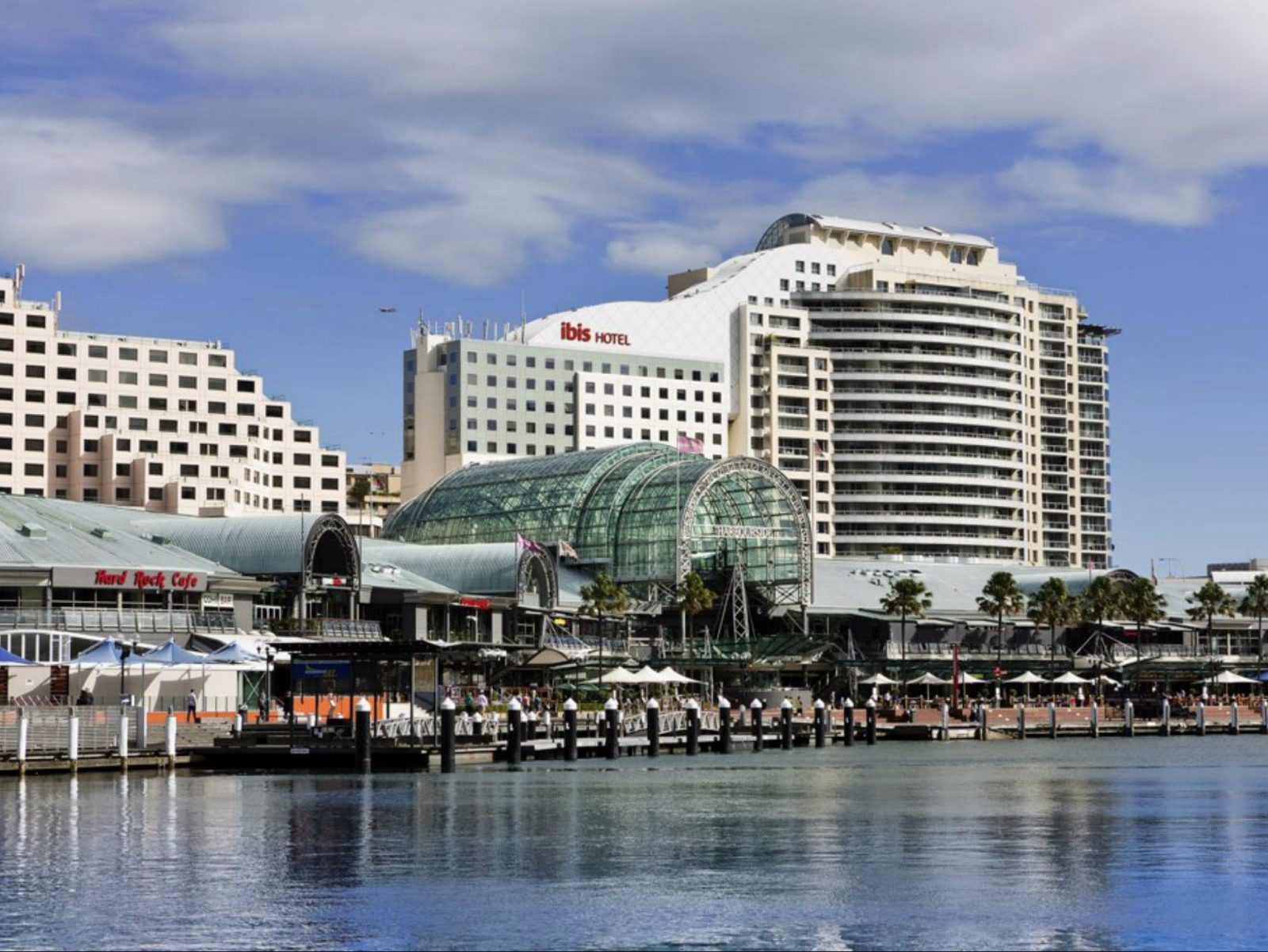 ibis Darling Harbour Exterior