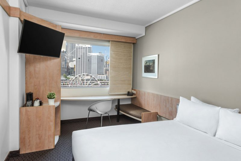 Superior Room 1 Queen Size Bed, Darling Harbour View