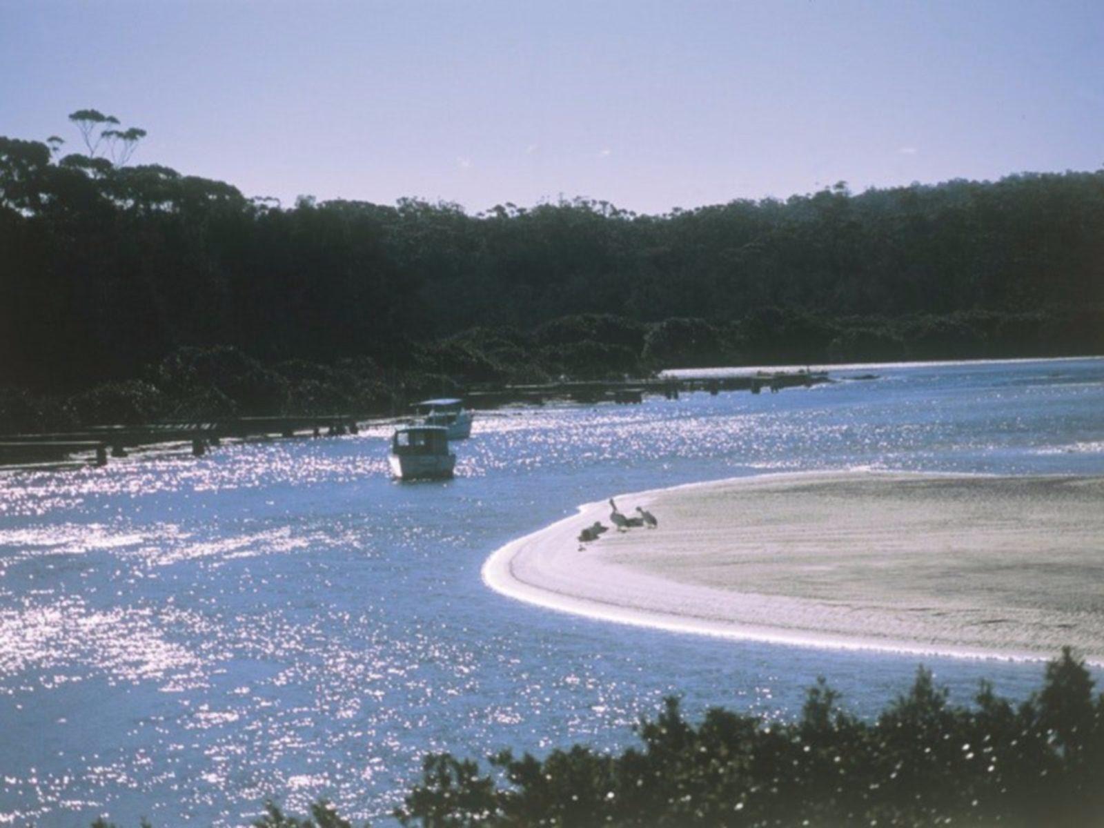 Tomaga River, Tomakin