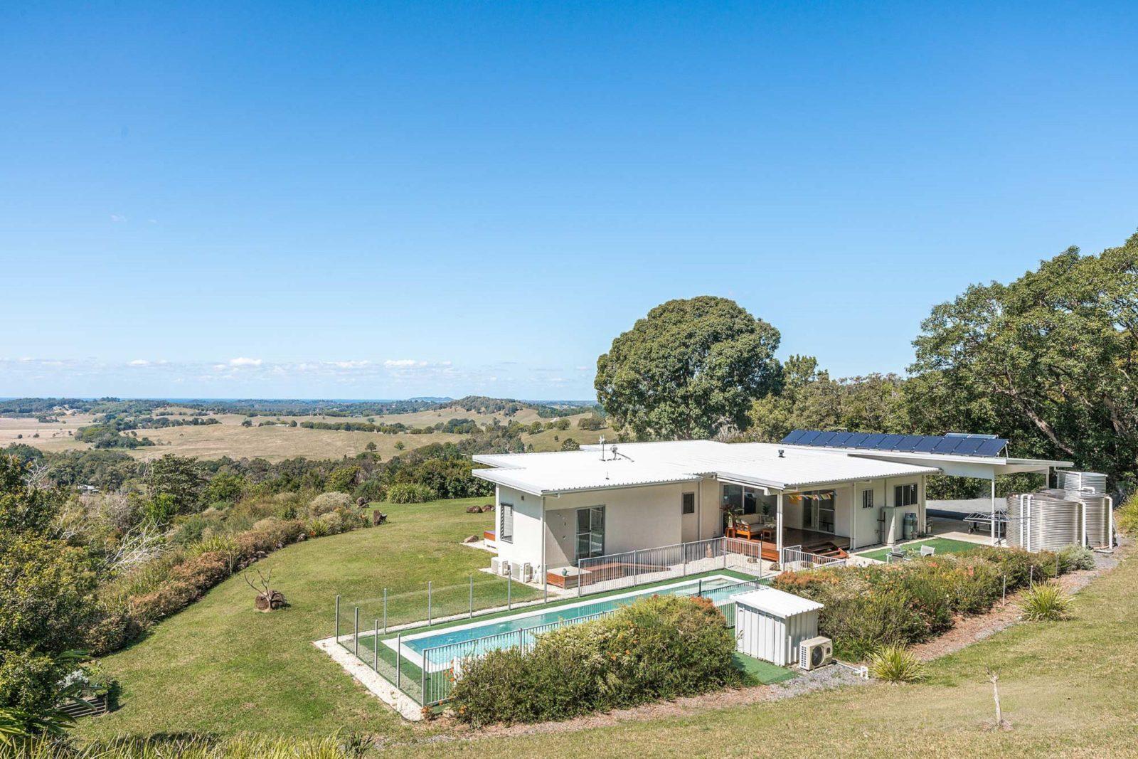 Jali Burugar - Byron Bay - Back of House View to Coast Extra