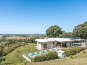 Jali Burugar - Byron Bay - Back of House View to Coast Extra