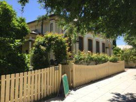 Jerilderie Historic Residence - Historic Home and Gardens