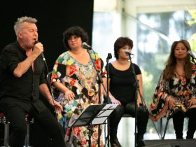 Jimmy Barnes and family