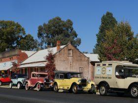 + Vic Vintage Car Club visitors