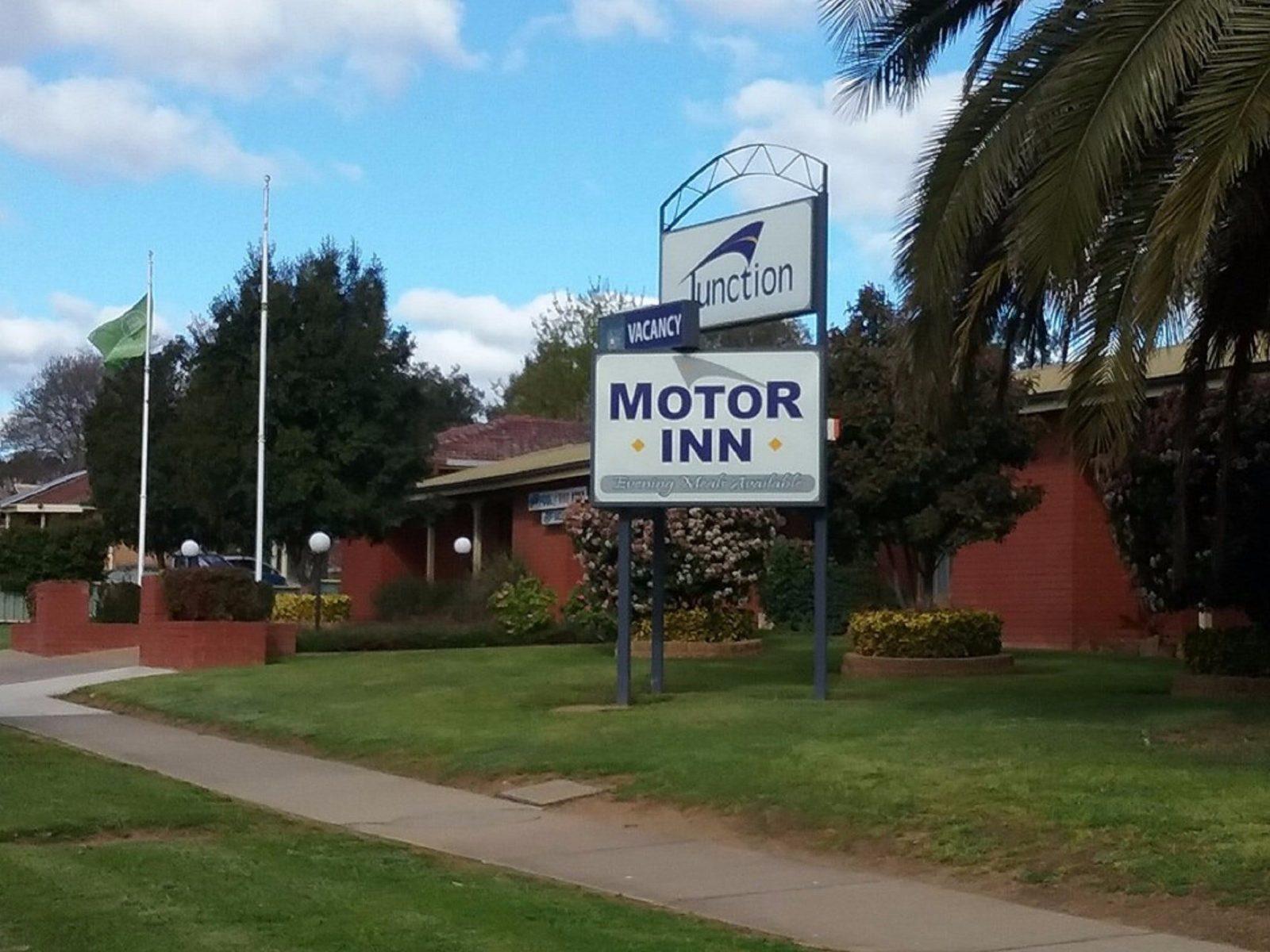 Junction Motor Inn
