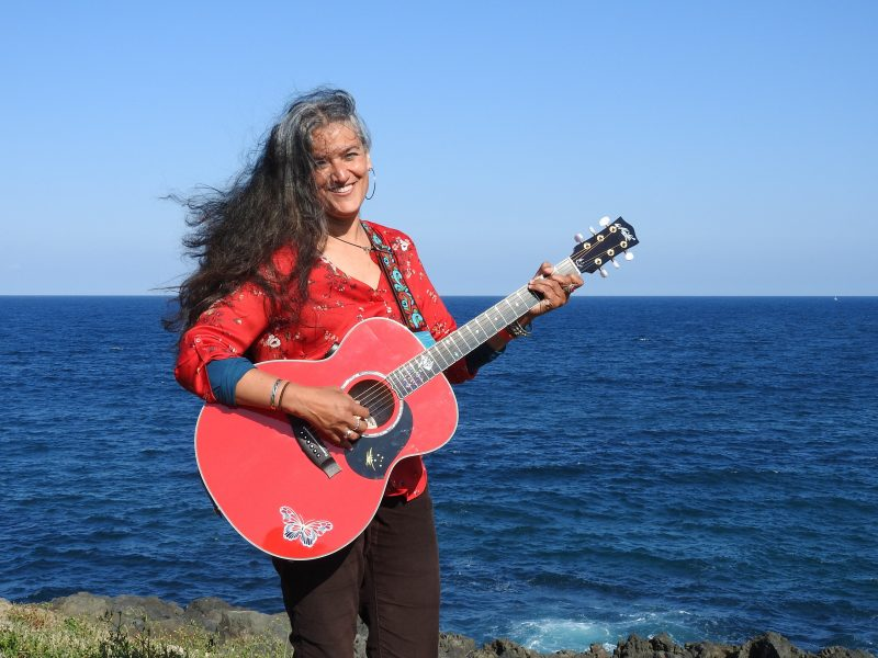 KIAMA FOLK by the SEA