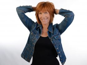 Singer songwriter Kiki Dee