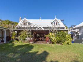 Kingsley Heritage Cottage - front exterior