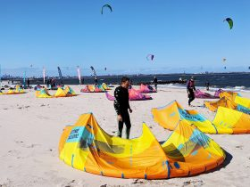 Kiteboarding Lessons - Kitesurfing - Foil - Kiteboarding equipment rental