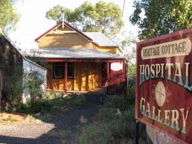 Lightning Ridge Heritage Cottage