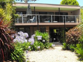 Lilli Pilli Beach Bed and Breakfast