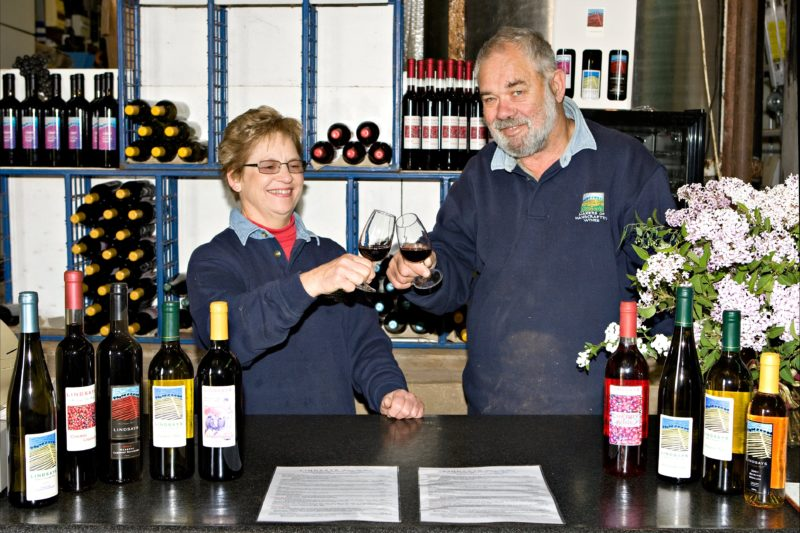Lindsays Woodonga Hill Winery