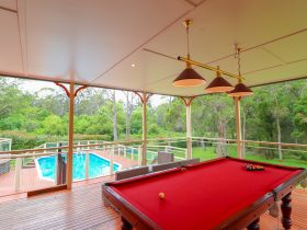 Pool and pool table