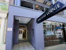 Macleay Lodge Hotel in Potts Point Sydney