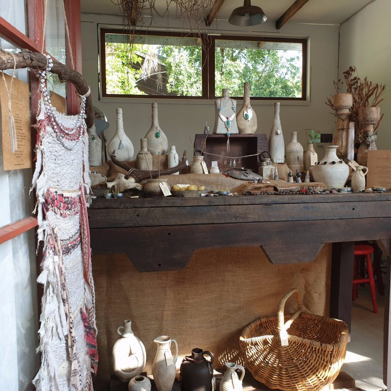 Handcrafted jewellery studio, including homewares and textile art. Workshops and commissions.