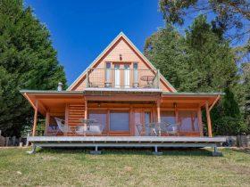 Melaleuca Mountain Retreat Cabin