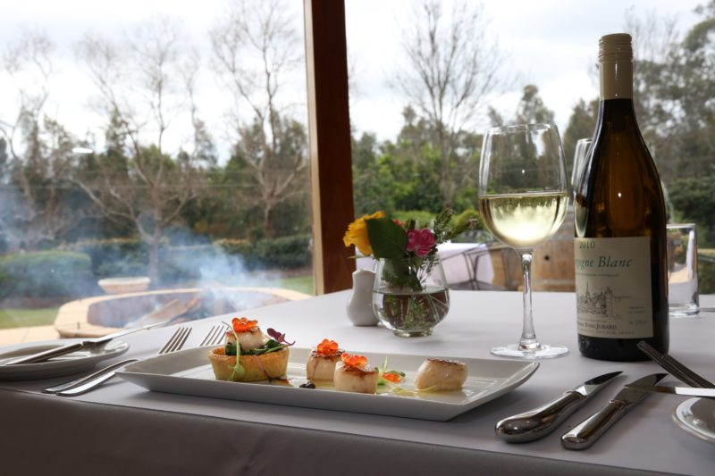 Dining at Mercure Resort
