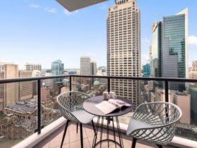 Meriton Suites Pitt Street Sydney