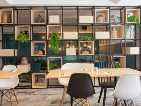 Gumtree Restaurant open daily for breakfast & dinner