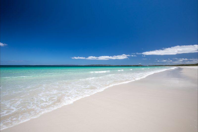 Beautiful, secluded Myola Beach (10 minute stroll away)