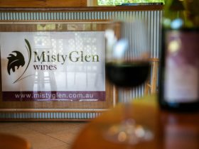 Misty Glen Wines