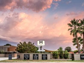 Motel Meneres Front Property