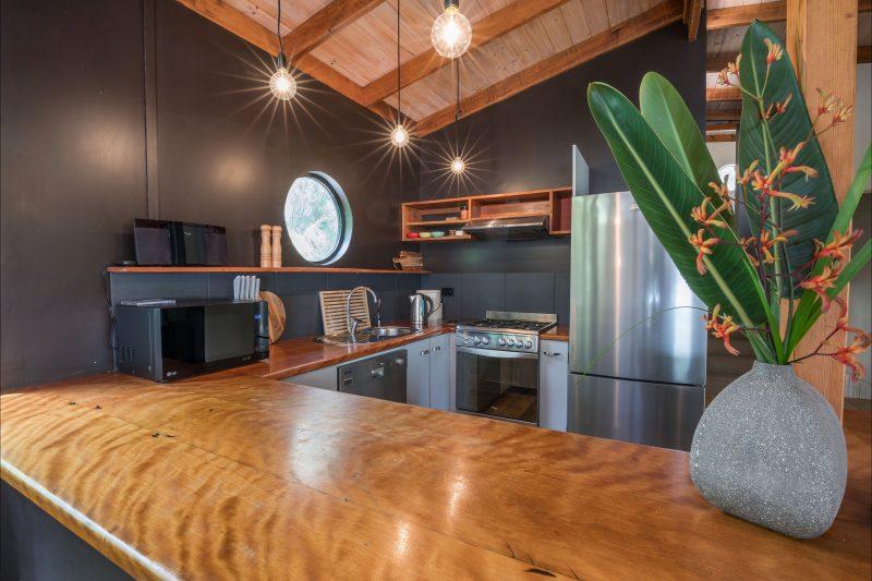 Blackbutt timber kitchen perfect for entertaining