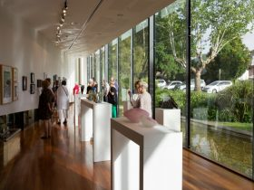National Art Glass Gallery Wagga Wagga