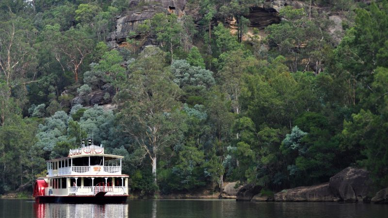 Nepean Belle in the Nepean Gorge