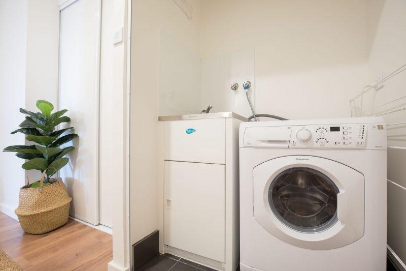 Oceanview Kiama luxury coastal accommodation laundry washing machine / dryer