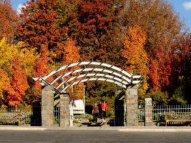 Orange Botanic Gardens entrance
