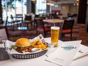 Diggers Bar & Grill