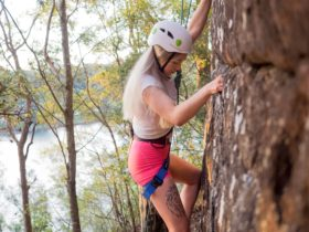 Beginner Guided Rock Climb Abseil Nowra Shoalhaven NSW Fun Tour Adventure Challenge Epic