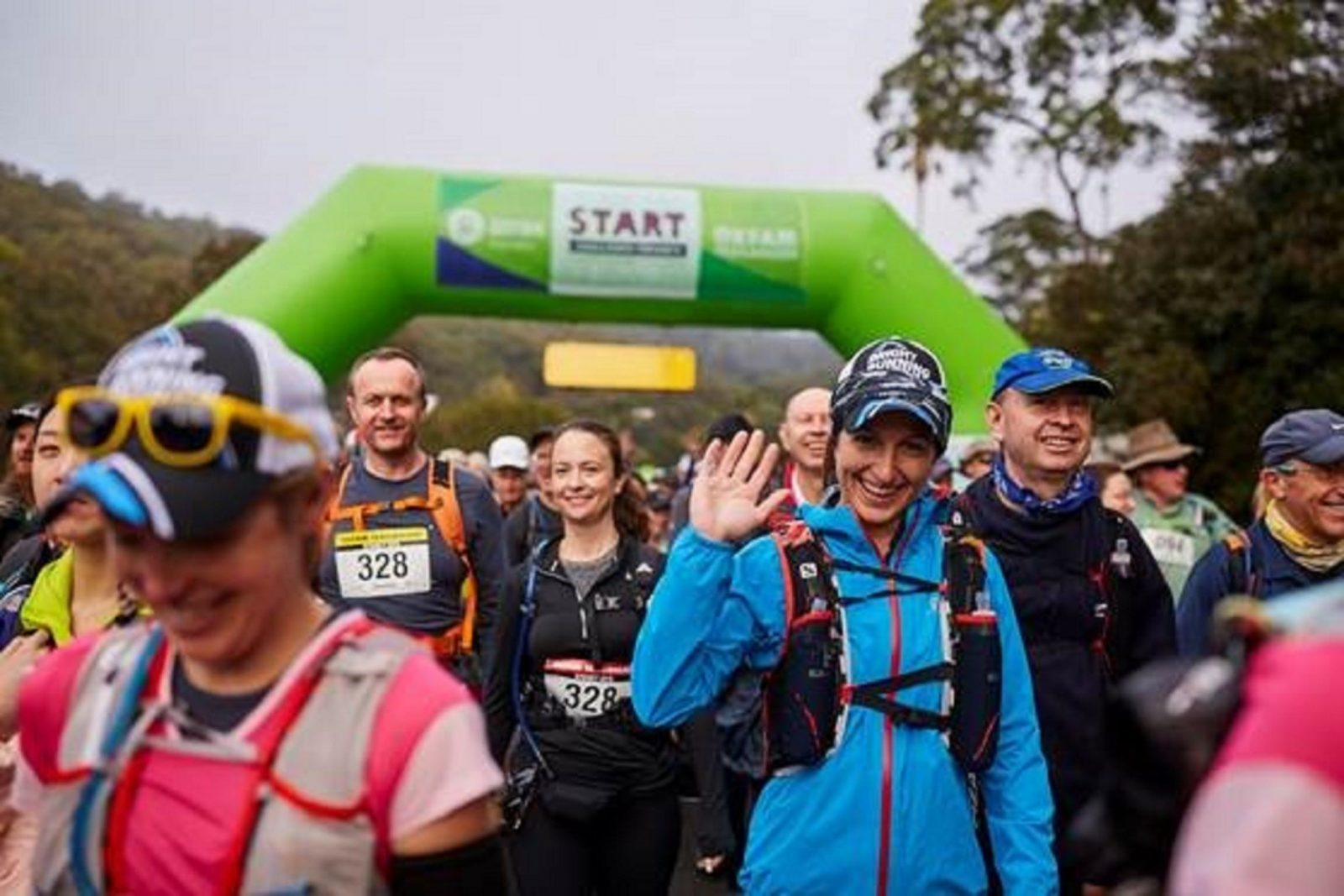 happy walkers at the startline