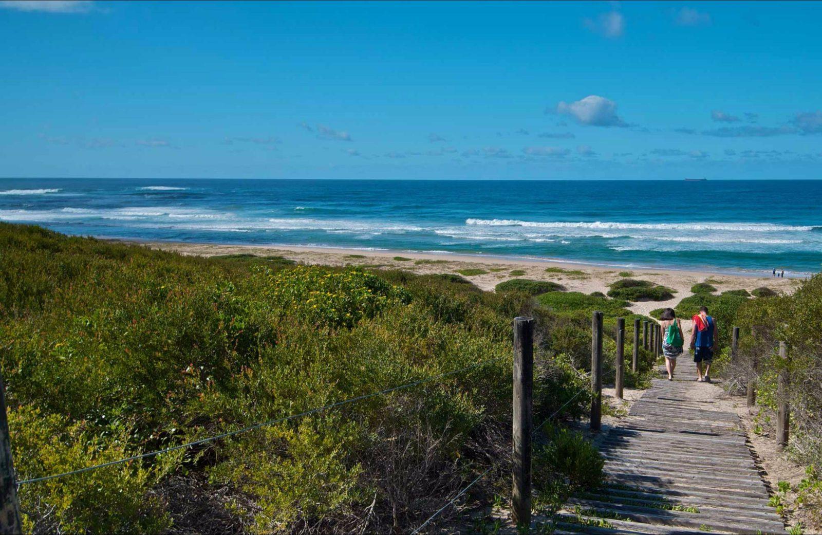 Pelican Beach Road lookout
