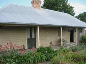 Pioneer Cottage and Museum