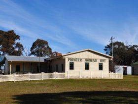 Pioneer Women's Hut