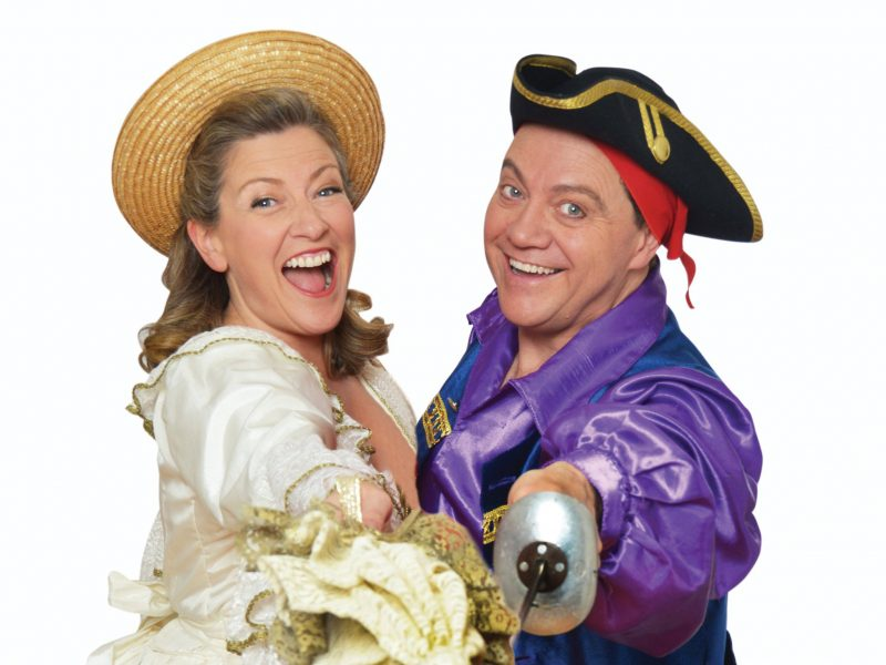 Two singers in pirate costume